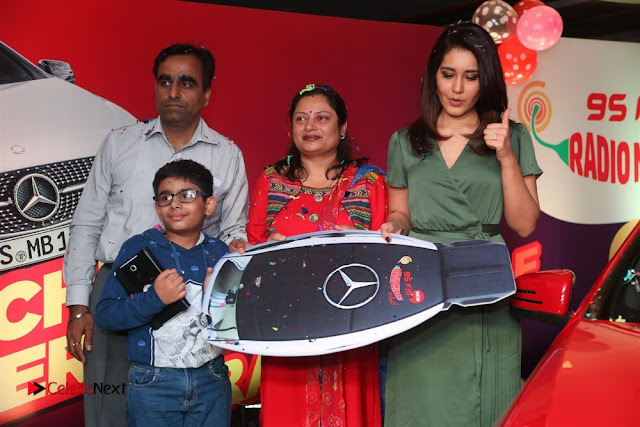 Raashi Khanna at Mirchi 95 Suno Mercedes Jeeto Contest Stills  0024