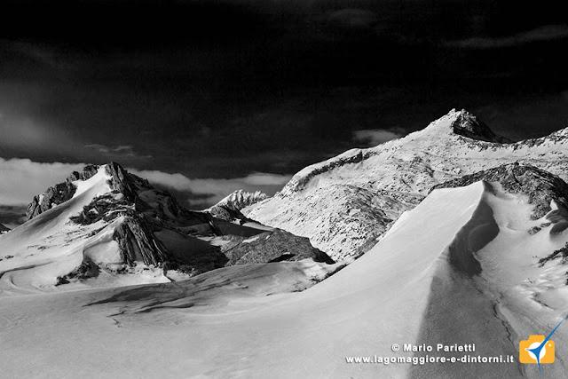 Panorama in bianco e nero salendo alla Cima dell'Uomo