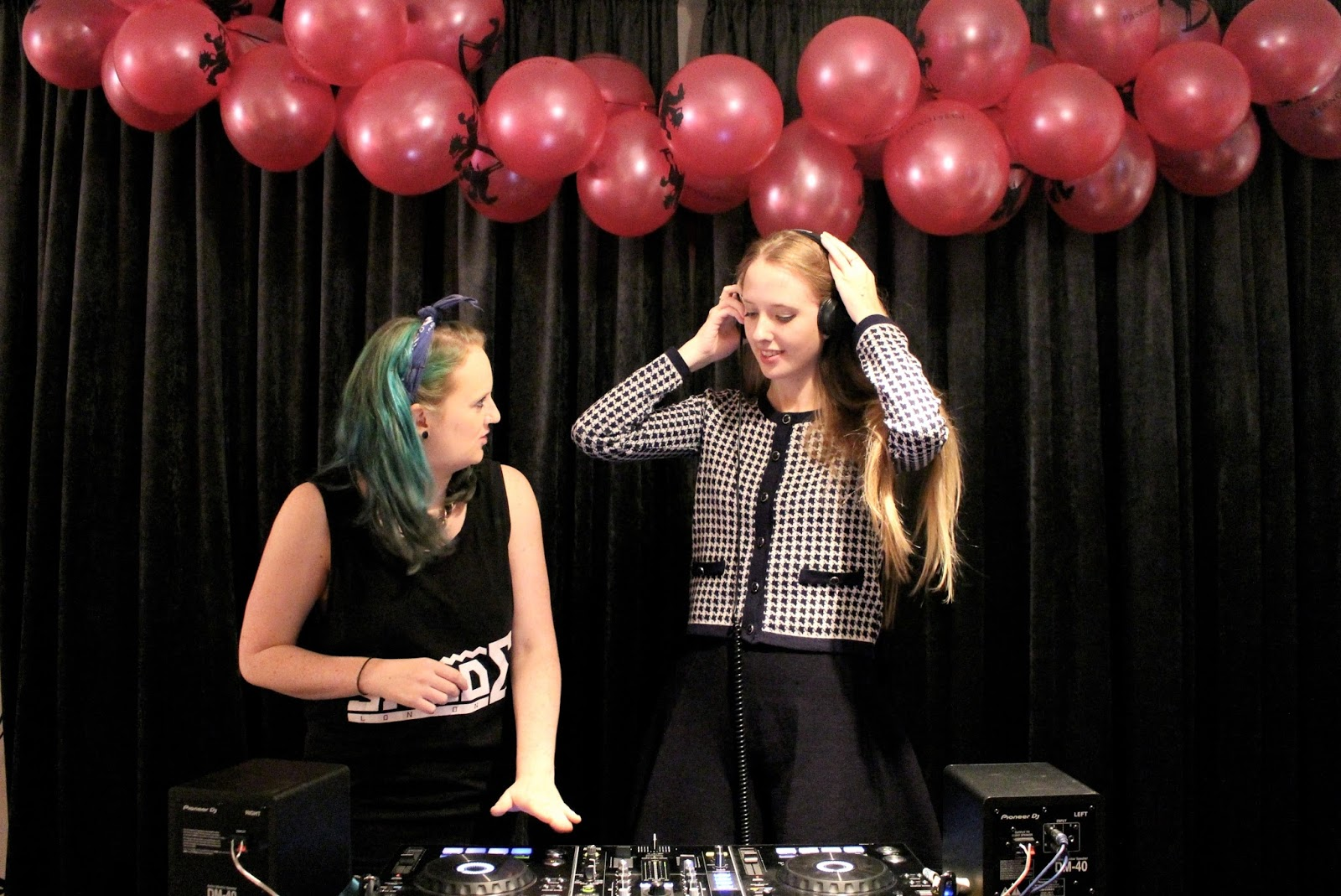 Introductory lesson to DJ class blog event