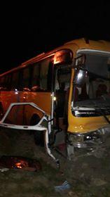 Triple choque en la carretera Azua-Barahona dejó dos muertos y tres heridos