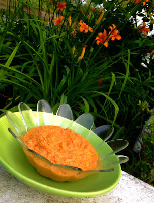Paleo Roasted Red Pepper Hummus