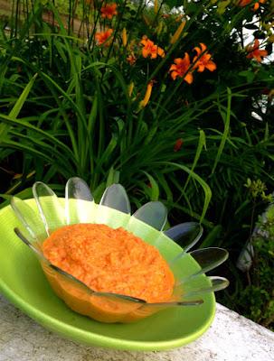 Paleo Roasted Red Pepper Hummus