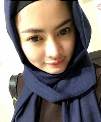 14 Foto Cantik Vitalia Shesya dalam Balutan Hijab, Bikin Adem Bro!