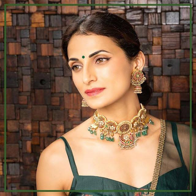 Shilpa Reddy Showcasing Krsala Jewellery Designs