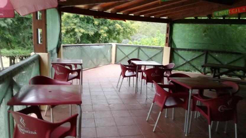 Esplanada do Bar da Praia Fluvial de Ourondo