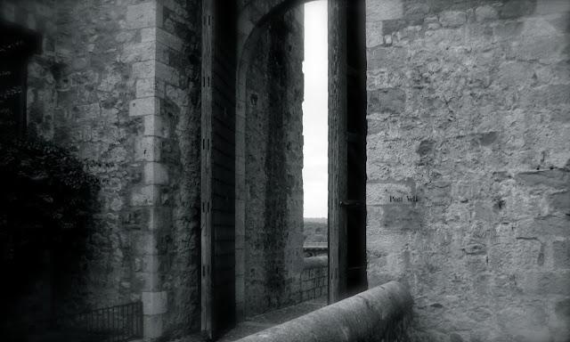 Puerta Pont Vell, Begur 2009 (Beatriz)