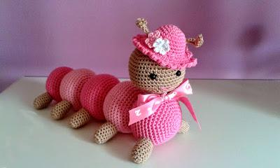 Oruga amigurumi tejida en crochet
