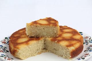 EGG-LES SUJI COCONUT CAKE / SEMOLINA COCONUT CAKE / RAWA COCONUT CAKE / RAVA COCONUT CAKE