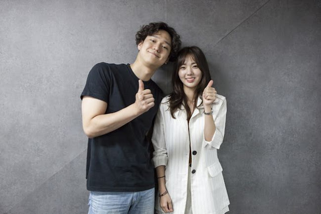 高庚杓、蔡秀彬主演《最強送貨員》公開首次閱讀劇本花絮照