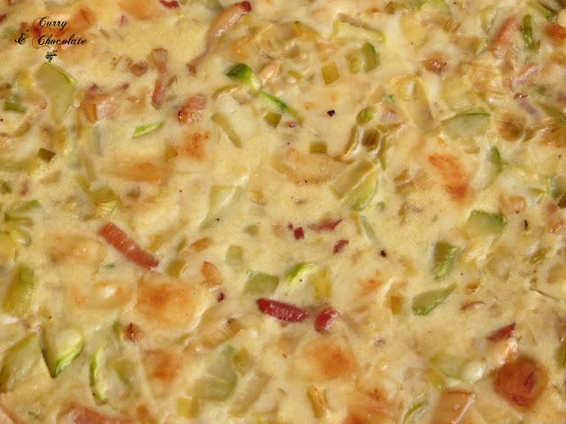 Pastel salado o quiche de calabacín, bacon y queso viejo - Zucchini and bacon quiche