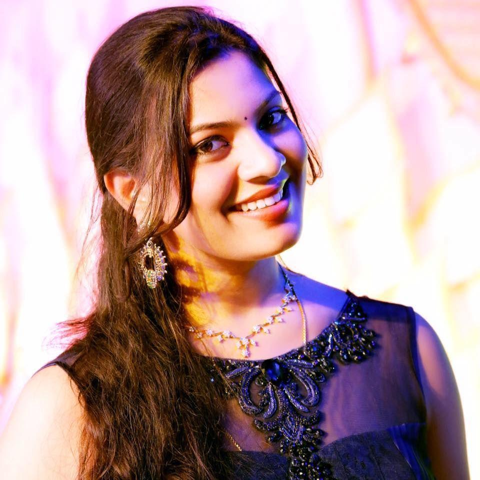 Geetha Madhuri Sonti Indian Telugu PlayBack Singer Wallpapers