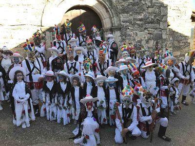 Chorrera de Despeñalagua y Carnaval en Almuriete, con el grupo escapadillas.com