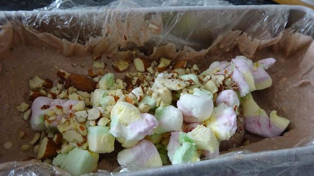 egg-less-no-churn-rocky-road-ice-cream-dessert-