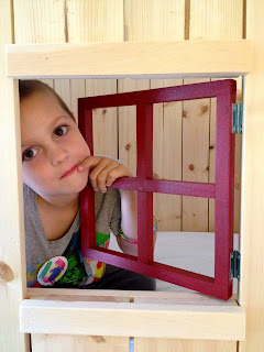 window grids for kids clubhouse bed