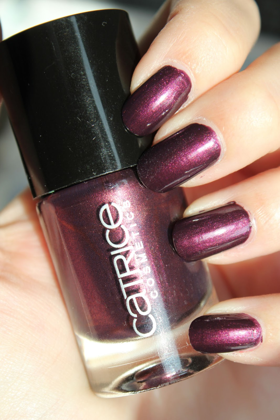 http://lacquediction.blogspot.de/2014/10/catrice-ultimate-nail-lacquer-59-first.html