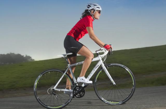 نصائح  لسلامتك عند ركوب الدراجات