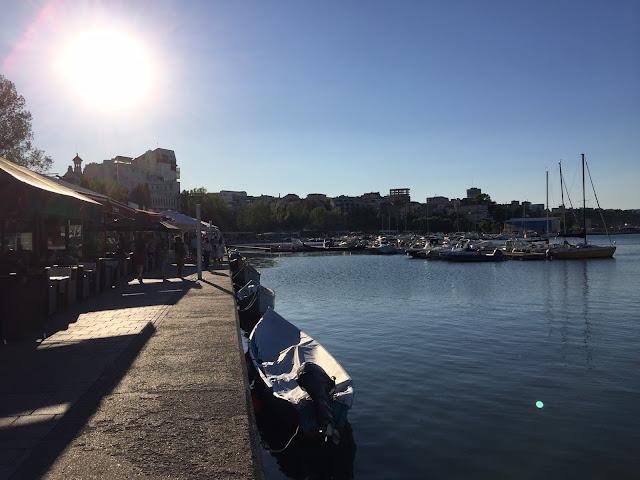 poza din portul Constanta si cu toate terasele pe stanga