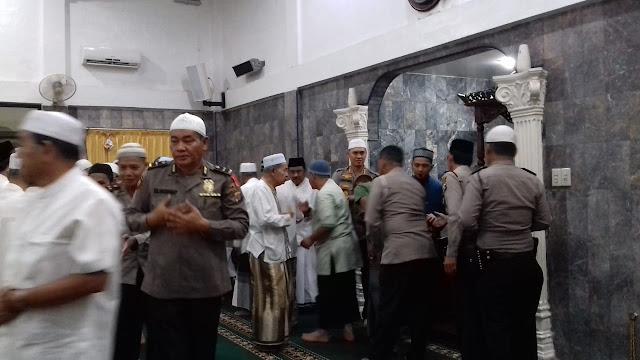 Makmurkan Masjid, Kapolrestabes Medan Gelar Safari Sholat Subuh Berjamaah