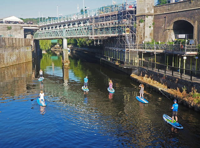 what to do in Bath UK visit bath paddle boarding