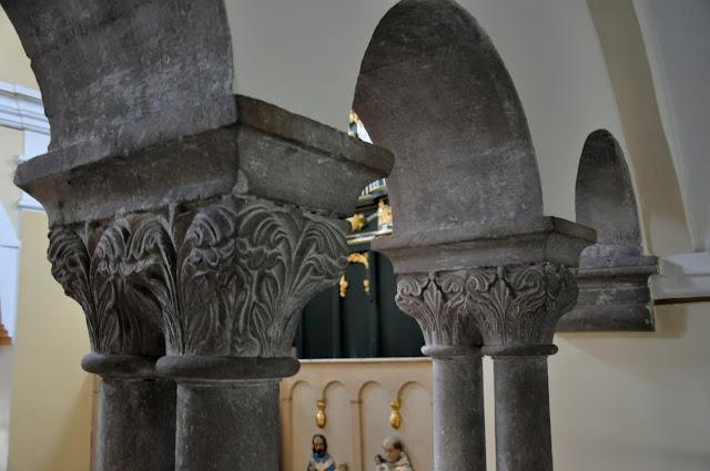 Romański kościół w Kościelcu Proszowickim - kolumny empory