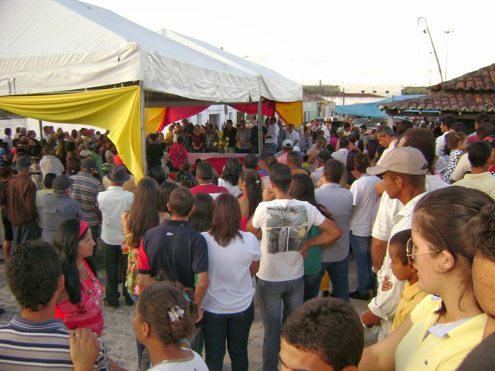 Prefeita de Capoeiras entrega a população a reforma e ampliação do  #A99122 1600x1200 Banheiro Adaptado Para Senhora Idosa