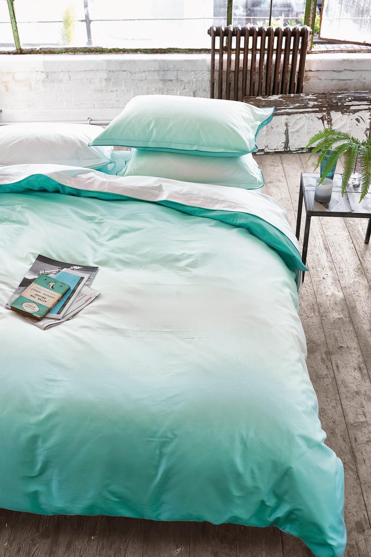 Saraille Aqua de Designers Guild. Fundan nórdica y juego de sábanas
