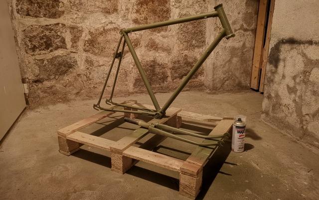 Fahrrad lackieren mit RAL 6003 oliv Lack aus der Dose