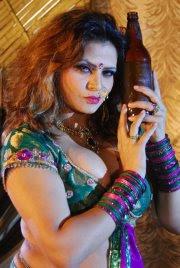 Indian girl sapna belly dance - 3 3