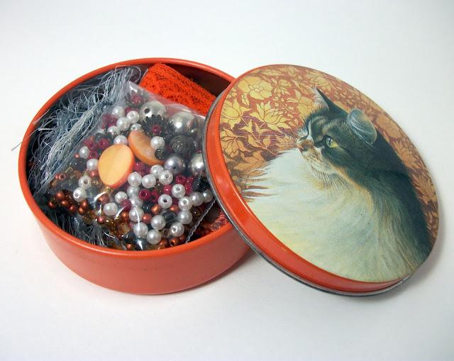 https://www.etsy.com/listing/474723494/inspiration-kit-in-vintage-cat-tin