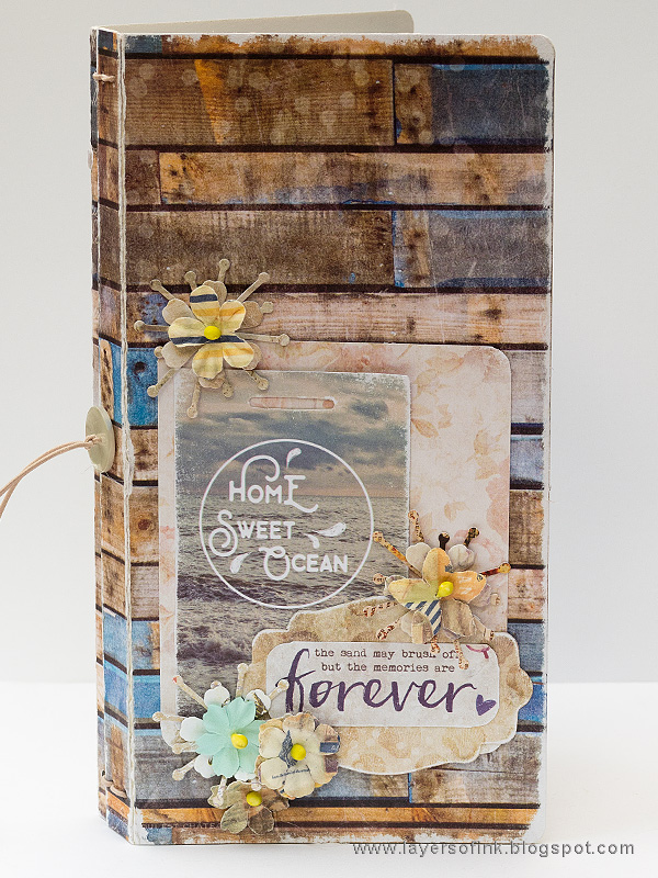 Layers of ink - Seaside Journal tutorial by Anna-Karin Evaldsson with Eileen Hull Sizzix Journal die.