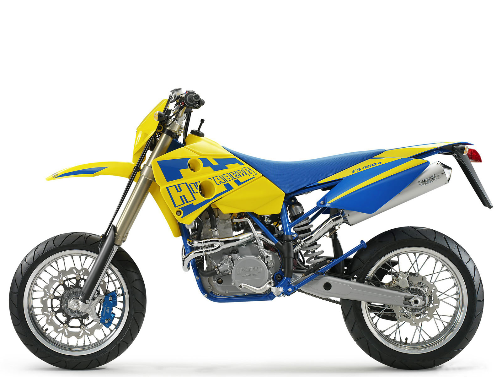2005 HUSABERG FS450e Motorcycle Desktop Wallpaper