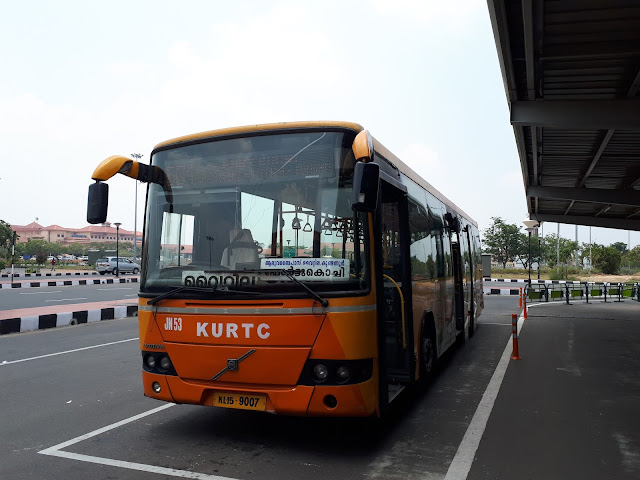 Bus pour Ernakulam et Aluva à l'aéroport de Cochin