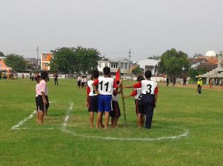 siswa SD dan SMA mengikuti perlombaan dengan antusias