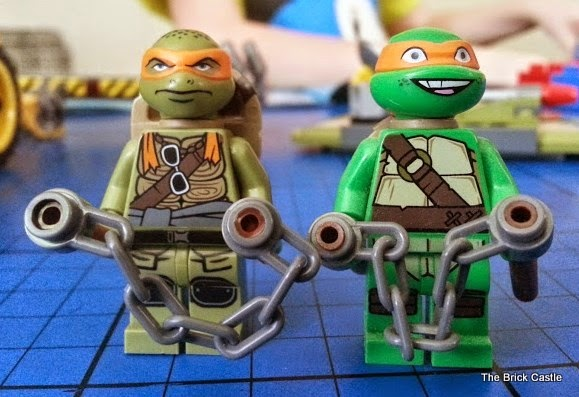LEGO TMNT Turtle Van Takedown Set 79115 Review Minifigures old turtle and new movie turtle compared