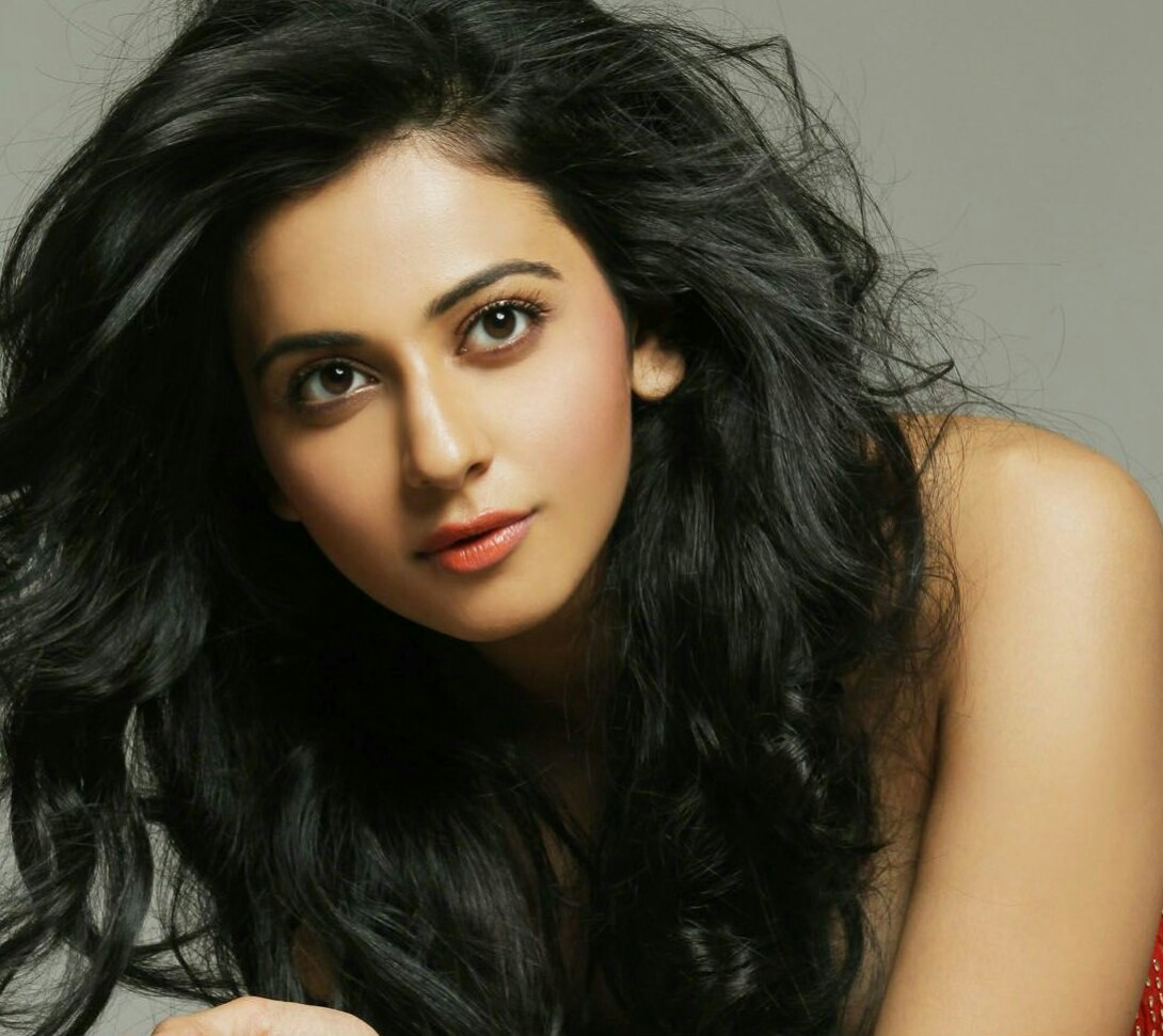 Actress Rakul Preet Singh Selfie Stills In Hd Images In Telugu Movie