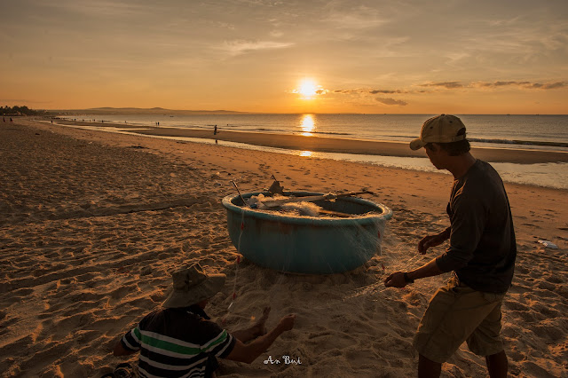 Ngư dân vá lưới, Mũi Né, tháng 3.2019