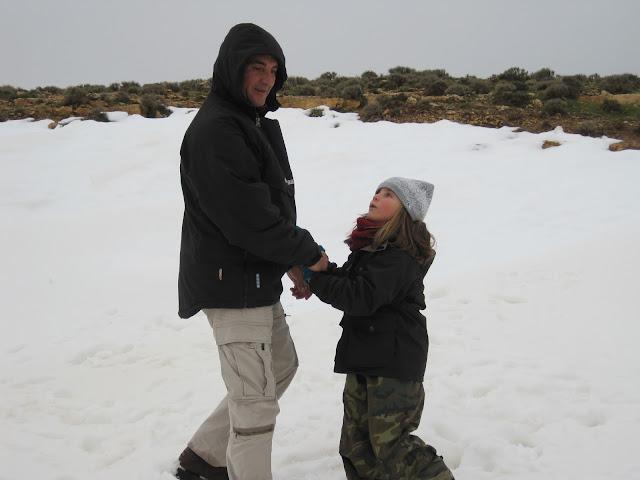 Yayo y Macarena en la nieve de Debdou