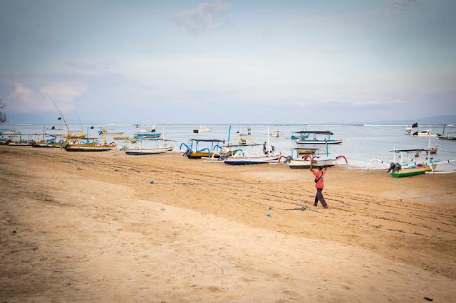 Imbarcazioni tipiche-Lungomare e spiaggia di Sanur, Bali