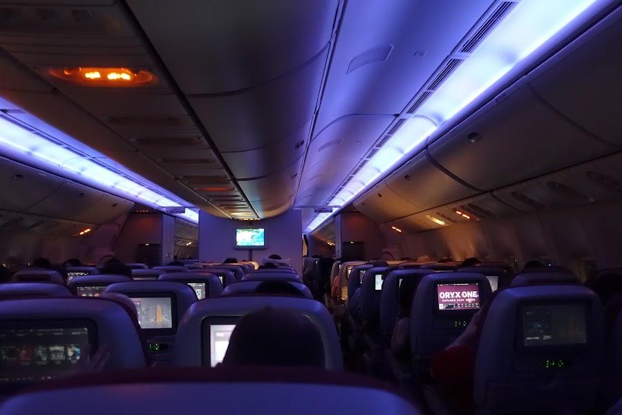 カタール航空 QR807 機内