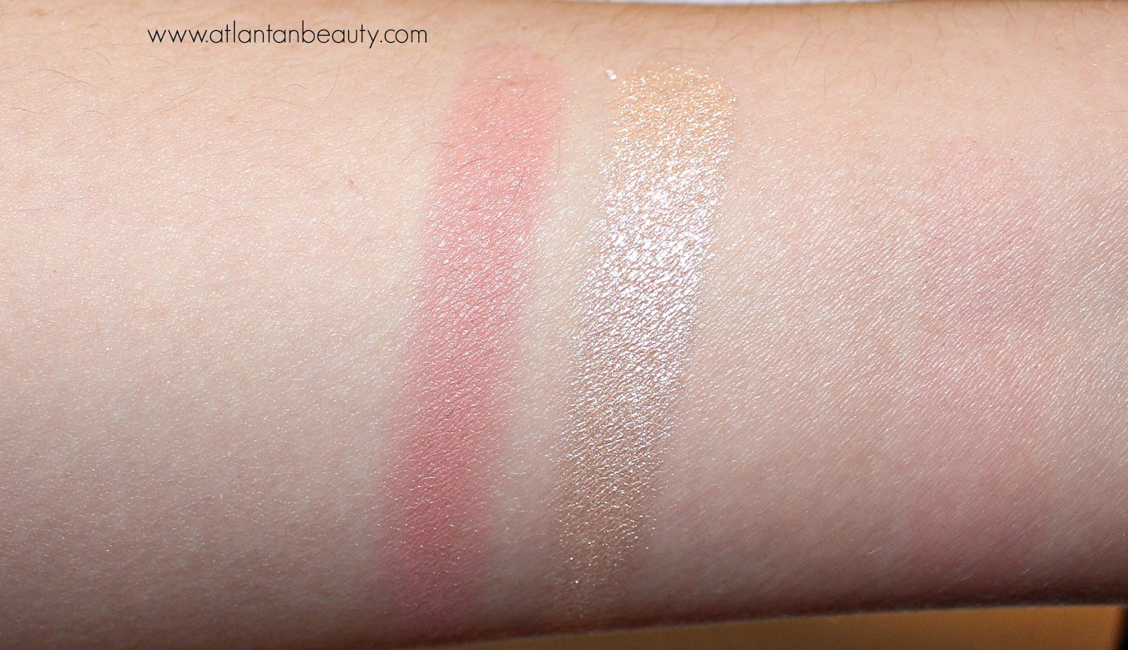 M.A.C Sweet Peach Face Compact Swatches