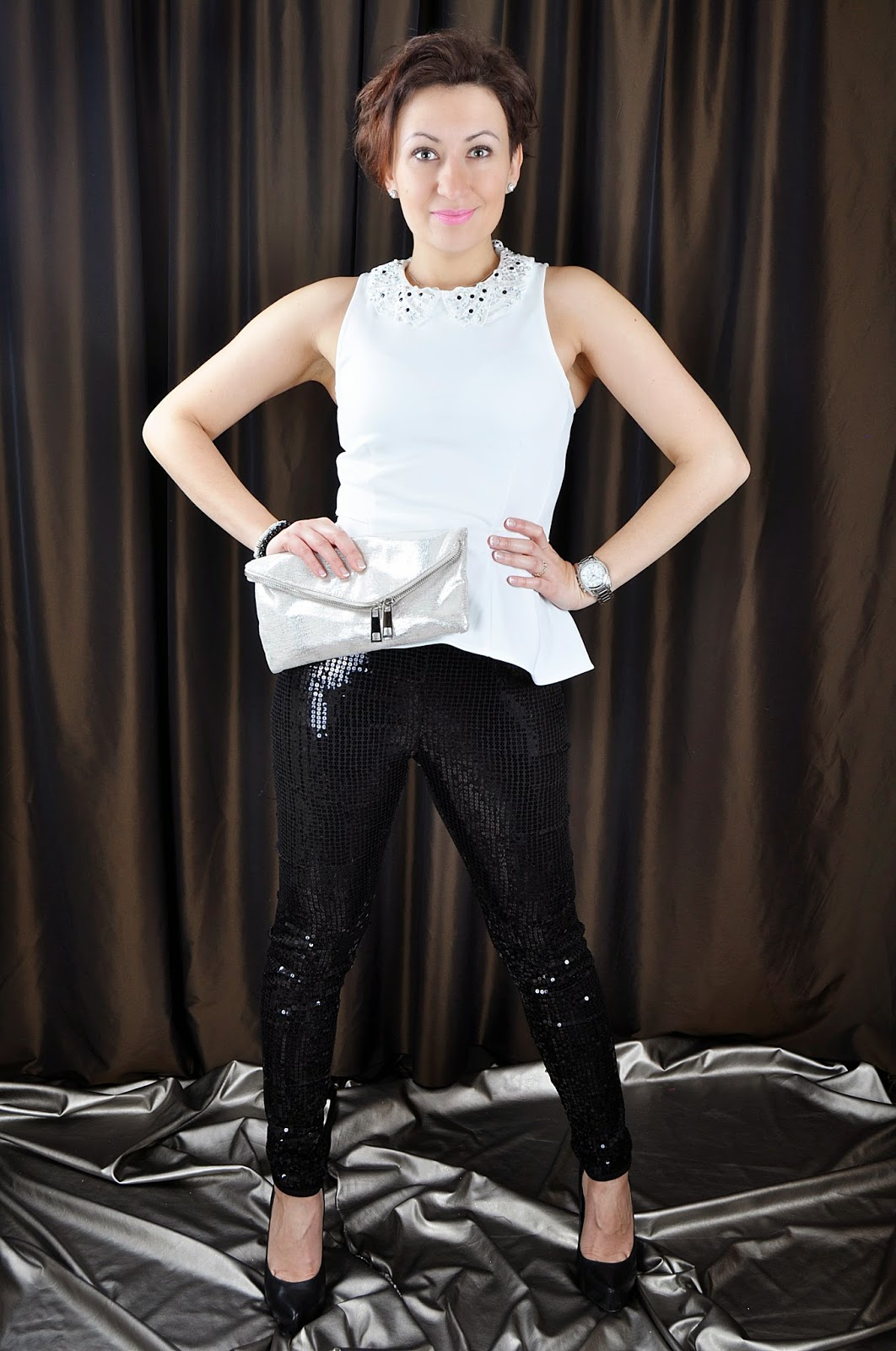 Black and White Outfit, Fashion, moda, New Look Leather heels, New Year's Eve Outfit, Partywear, River Island silver clutch bag, Sequin black leggins, Styl, Stylizacja, TOPSHOP white top