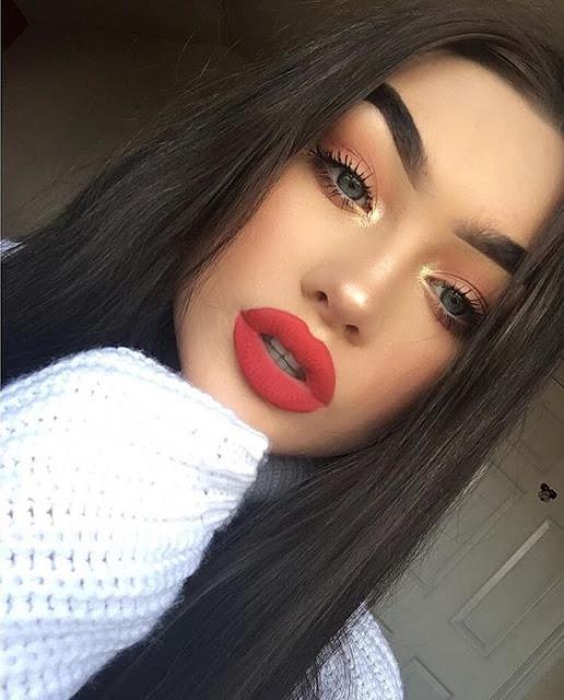 Fique linda com essas opções incríveis de maquiagens para usar especialmente com batom vermelho e mostre o seu poder feminino. O batom vermelho é perfeito para sair com o crush, um jantar, festa, encontros, entre outras ocasiões. Se inspire nessas dicas e arrase.