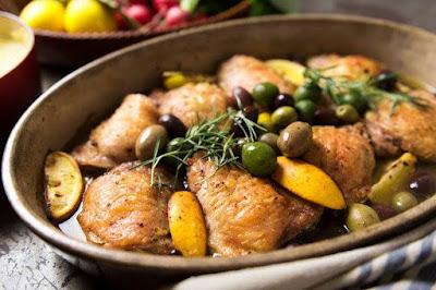 الدجاج بالليمون والزيتون بالفرن