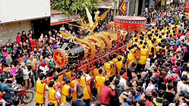 Spring in Vietnam is the season of festivals 1