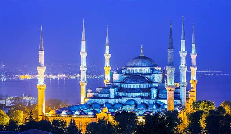 اين يوجد المسجد الازرق