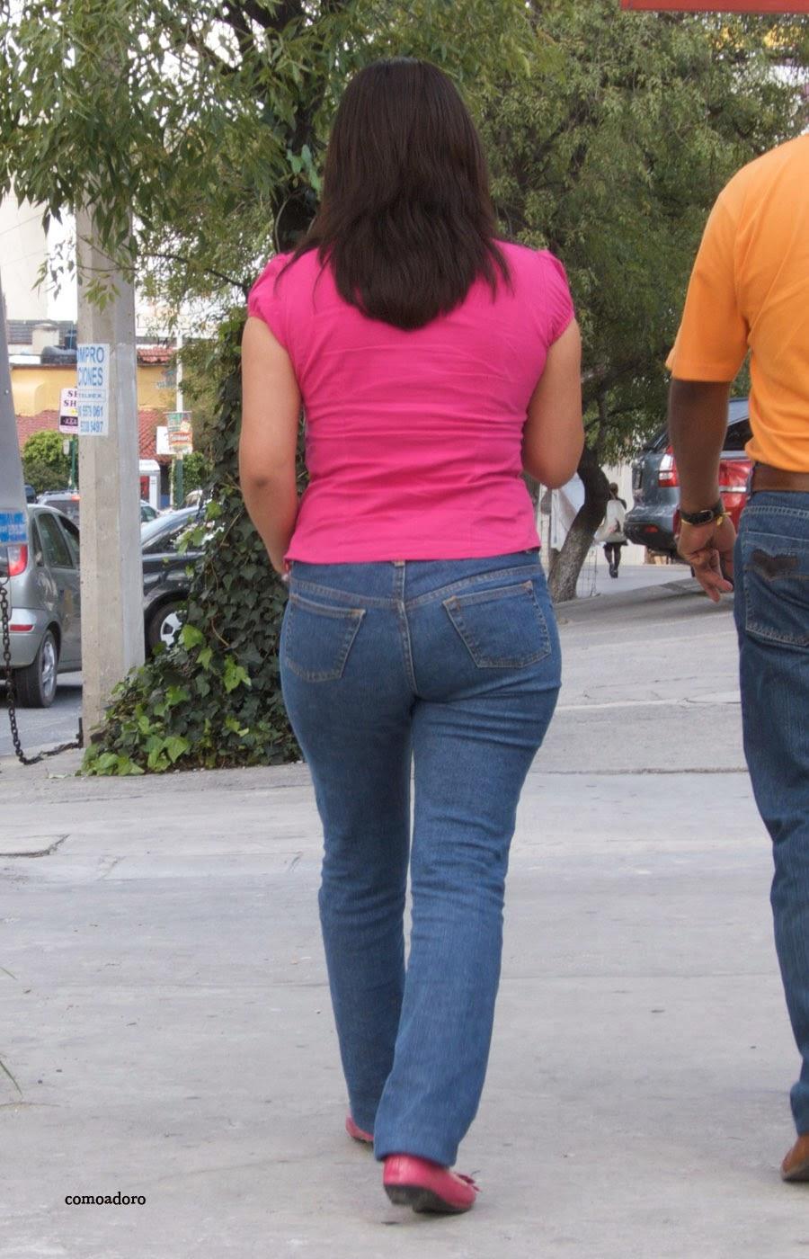 Candid jovensita por la ciudad piernas largas culona - 2 7