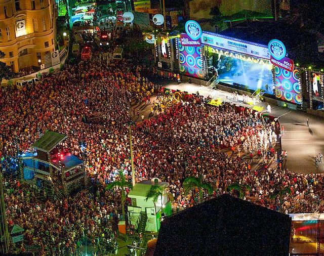 FOLIA: Recife deve mudar a abertura do Carnaval em 2017.