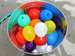 2017 Holi Water Balloons Game.