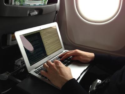 laptop hardvereszköz használat repülőgépen