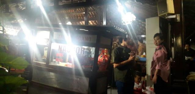 9 Tahun Jadi Langganan SBY, Ini Curhatan Ojat Penjual Nasi Goreng
